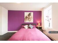 1 bedroom in King Street, Newcastle - Under - Lyme, ST5