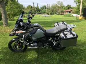 2014 BMW R1200GS Adventure, Fully Loaded, cases, quick-shift Pro