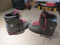 Trezeta Mountaineering, waterproof, cold weather boots. Size 10