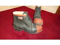 Argyll protective safety boots, size 10.5