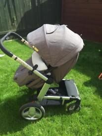 Grey igenie pram/push chair - in perfect condition