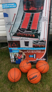COMPLETE ARCADE STYLE BASKET BALL NET $90.00