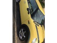 Mini Cooper 1.6 Yellow