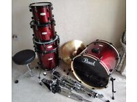 Pearl forum full drum kit.5 drums,3 cymbols,hi hat,crash,ride,and all hard ware,as new.must collect.