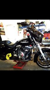 Clean 2014 Harley Davidson Street Glide