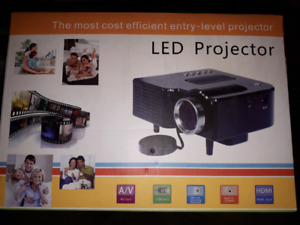 LED projector new in box
