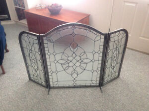 Decorative and functional glass fire screen