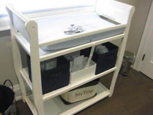 Graco Change Table White non smoker no pets  in mint condition