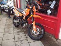Sinnis appacie 125 super moto 2016 fully de restricted full power toro exhaust