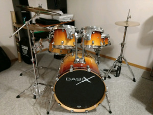 5 piece birch drum kit with cymbals and hardware