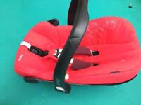 Maxi Cosi Pebble car seat - red (repaired handle)