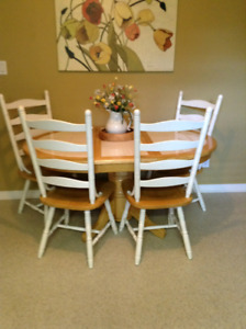 Maytag table with 4 chairs.