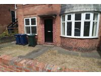 Byker,Newcastle upon Tyne. 2 Bed Immaculate Lower Flat.Garden.No Bond!DSS Welcome!