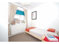 Single box room available for a one person in lovely house share in Morden