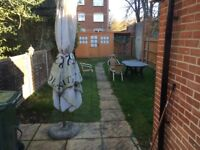 Large double room town centre close to the station.