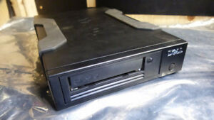 Dell 06CG35 1.5/3.0GB LTO5 External HH SAS V2 }