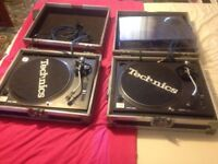 Technics sl1210 mk2 Pair Excellent Condition With Gold Phono and flightcases