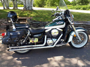 CLEAN 2004 Kawasaki Vulcan Classic W/ Vance and Hines pipes
