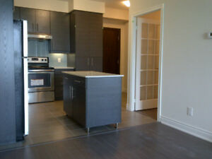 325 South Park Road  1+ den with parking and locker for rent