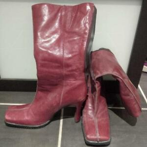 Size 39 (8.5) Red Leather Boots