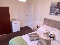 Double room between Streatham and Tooting Broadway