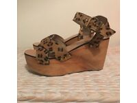 New Topshop wedges size 4