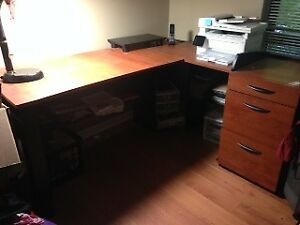 L-shaped desk in excellent condition