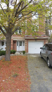 Walk to Algonquin College, end unit townhome,@centerpointe