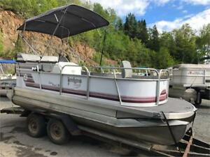 ***RARE MINI PONTOON*** 2004 18' PEANUT PONTOON WITH 40HP INJECT