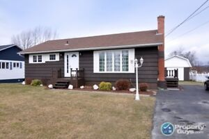 Great area, 4 bed, fenced back yard