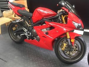 2007 Triumph Daytona 675, 5272km, upgrades, bike cover,