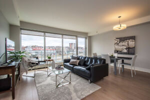 Beautifully upgraded 1 bedroom plus den at Kings Wharf!