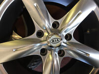 "Kia Sorento Alloys 18"" 245/60/18 Goodyear tyres"