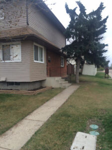 2+1 bedroom end unit townhouse in Innisfail