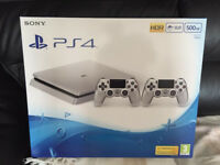 SILVER SONY PLASYTATION 4 CONSOLE - 2 CONTROLLERS - BRAND NEW AND SEALED PS4