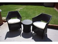 Garden Furniture Easy Chairs and Table
