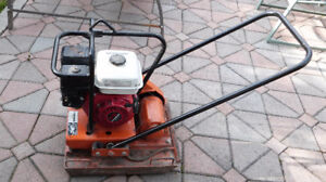 Compactor for rent in Gatineau (HULL)