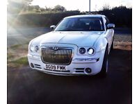 CHRYSLER 300C WEDDING/PROM CAR, WHITE, 2009, FULLY LOADED, BENTLEY REPLICA, STUNNING LUXURY CAR!!!