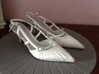 Ivory satin brides shoes with diamonti embellishments size 3/36