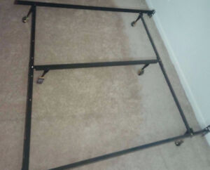Metal Bed Frame (Queen/Double Size)