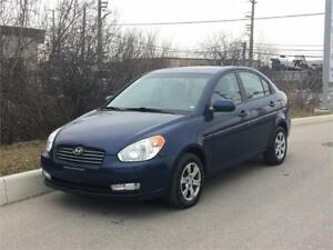 2011 Hyundai Accent GL Sunroof! **Accident Free**