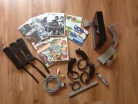 Nintendo Wii - Black Edition with games and three controllers, excellent condition