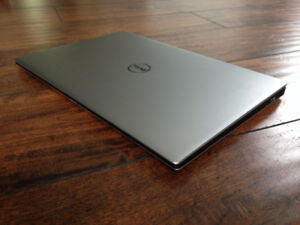Dell XPS 13 9350 laptop w/ Dell Dock WD15 docking station