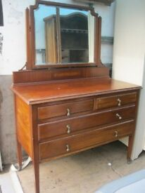 VINTAGE ORNATE DRESSING TABLE WITH SHAPED DETACHABLE MIRROR. '2 OVER 2' DRAWER LAYOUT. DELIVERY POSS