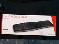 Microsoft Comfort Curve Keyboard new boxed - wired usb