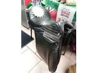 Stunning, quilted black leather 16.5 inch medium-wide Frank Hastilow saddle