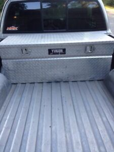 Yukon truck tool box willing to take offers