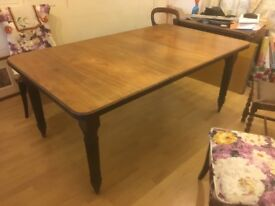 EDWARDIAN WALNUT WIND-OUT EXTENDING DINING TABLE Rectangle - Seats 4 without leaf, 6-8 extended