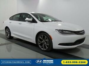 2016 Chrysler 200 S GPS Cuir Pano Demarreur Bluetooth UConnect