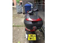 Good condition piaggio fly red 3v 125 scooter moped